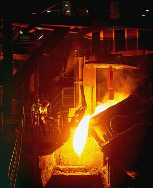 Manufacturing-Product_PouringMoltenSteel–Foundry.jpg