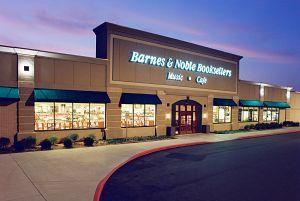 Kalamazoo Barnes & Noble Storefront